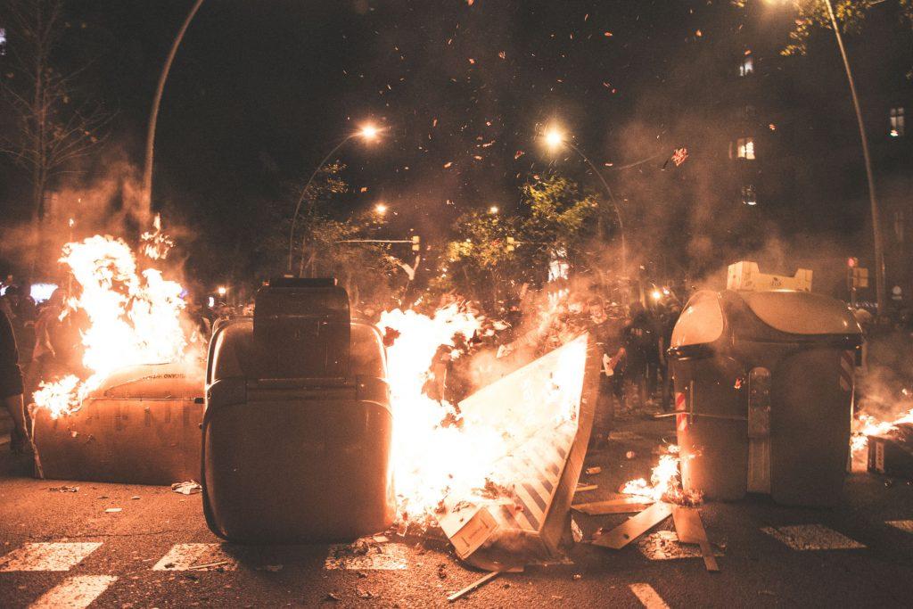"""AIJEC condemna els disturbis: """"La millor manera de canviar les coses és construir, no destruir"""""""